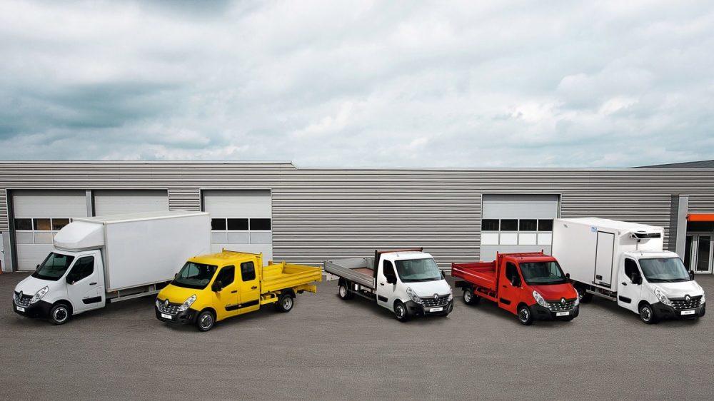 Zabudowy Renault Master dla branży budowlanej: brygadowóz, wywrotka, skrzynia, kontenter