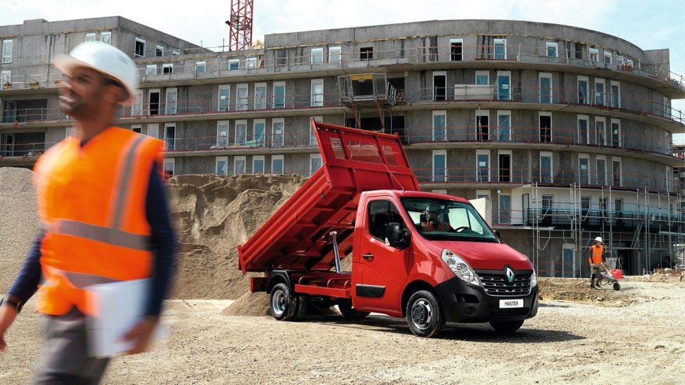 Zabudowy Renault Master dla branży budowlanej: renault wywrotka